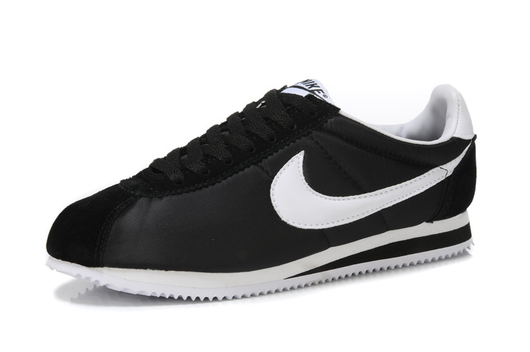 Men Nike Classic Cortez Nylon Black White Shoes