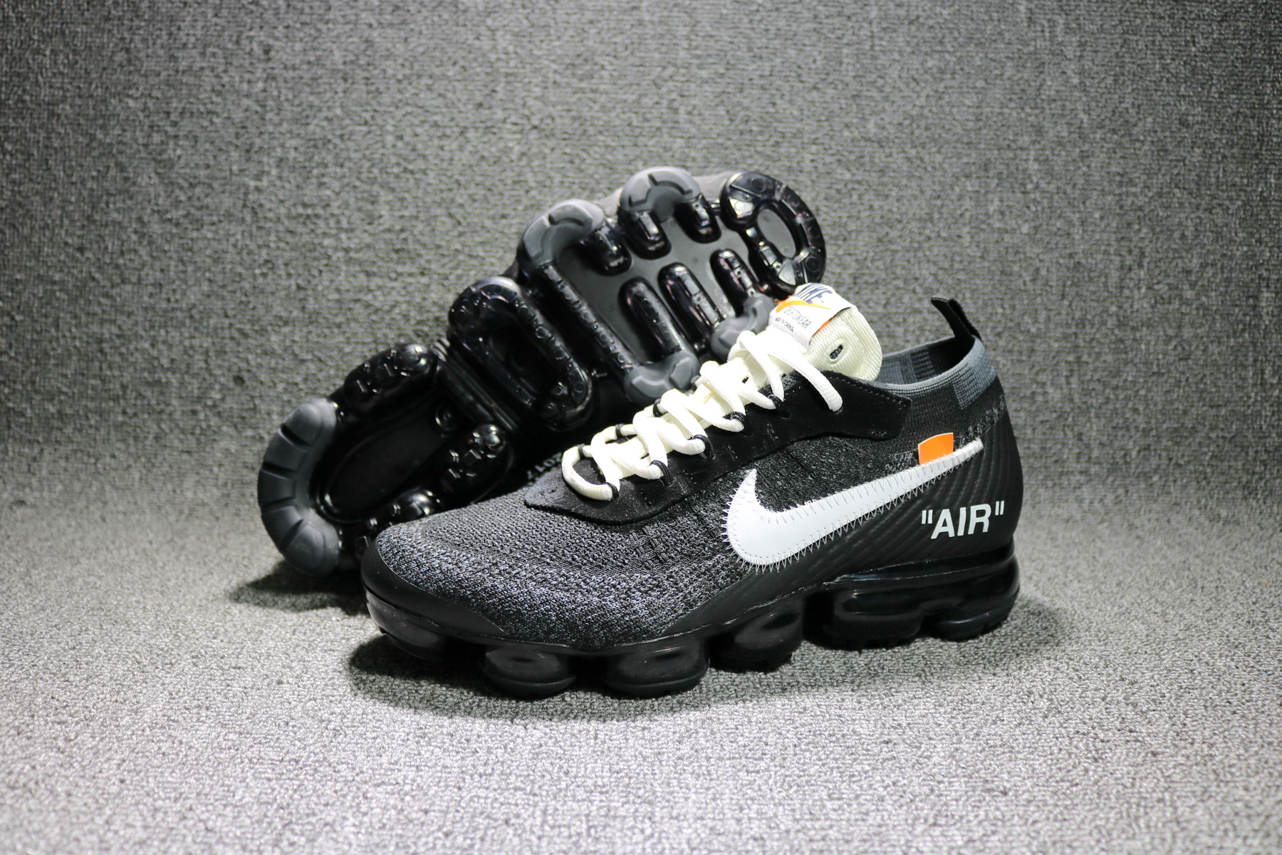 New 2018 Nike Air VaporMax Black White