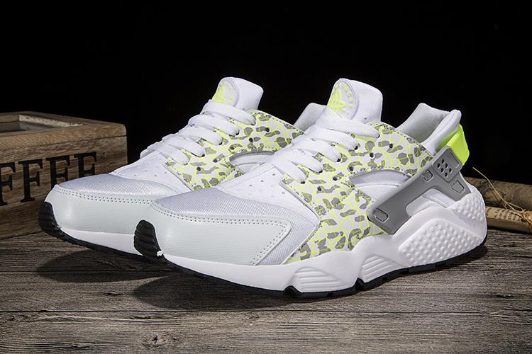 aaa99981448f New Nike Air Huarache leopard Print White Yellow Shoes ...