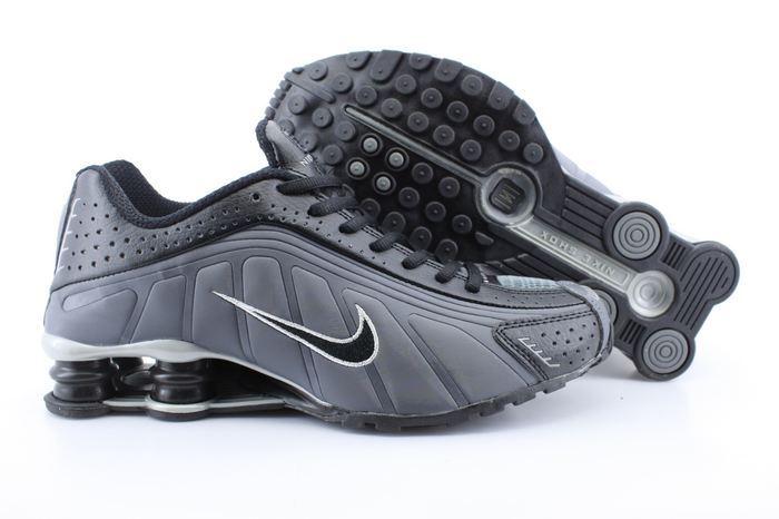 5477dba20a82b7 Men s Nike Shox R4 Black Carbon Grey Shoes