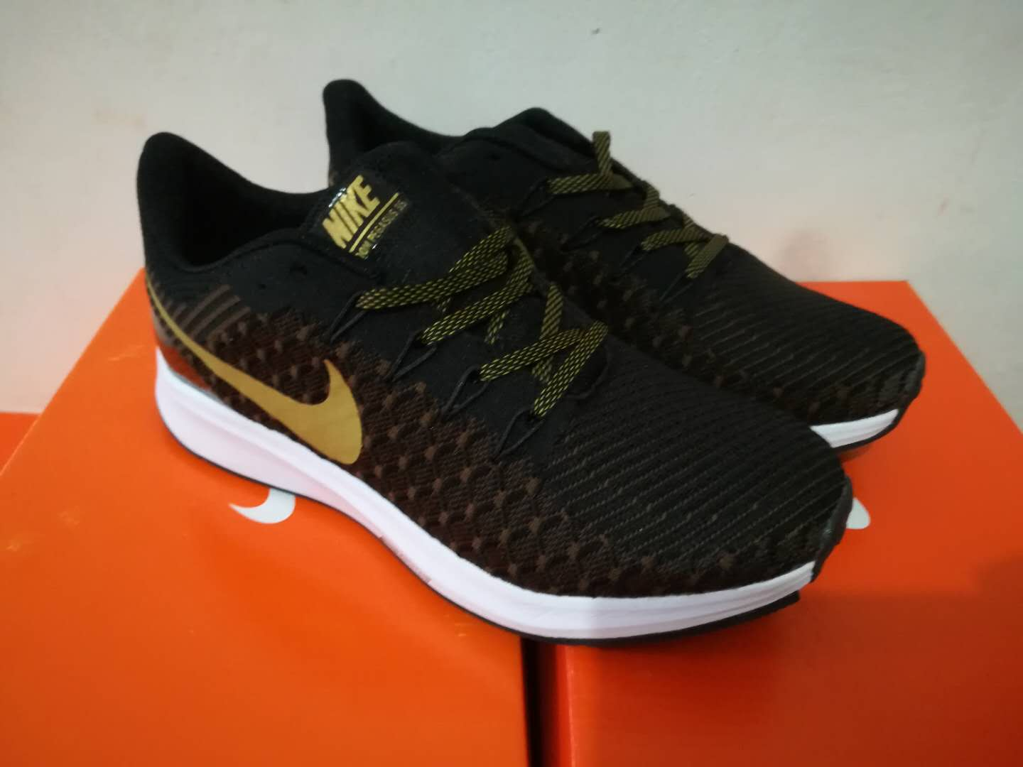Nike Flyknit Lunar 2 iD Black Gold White Shoes
