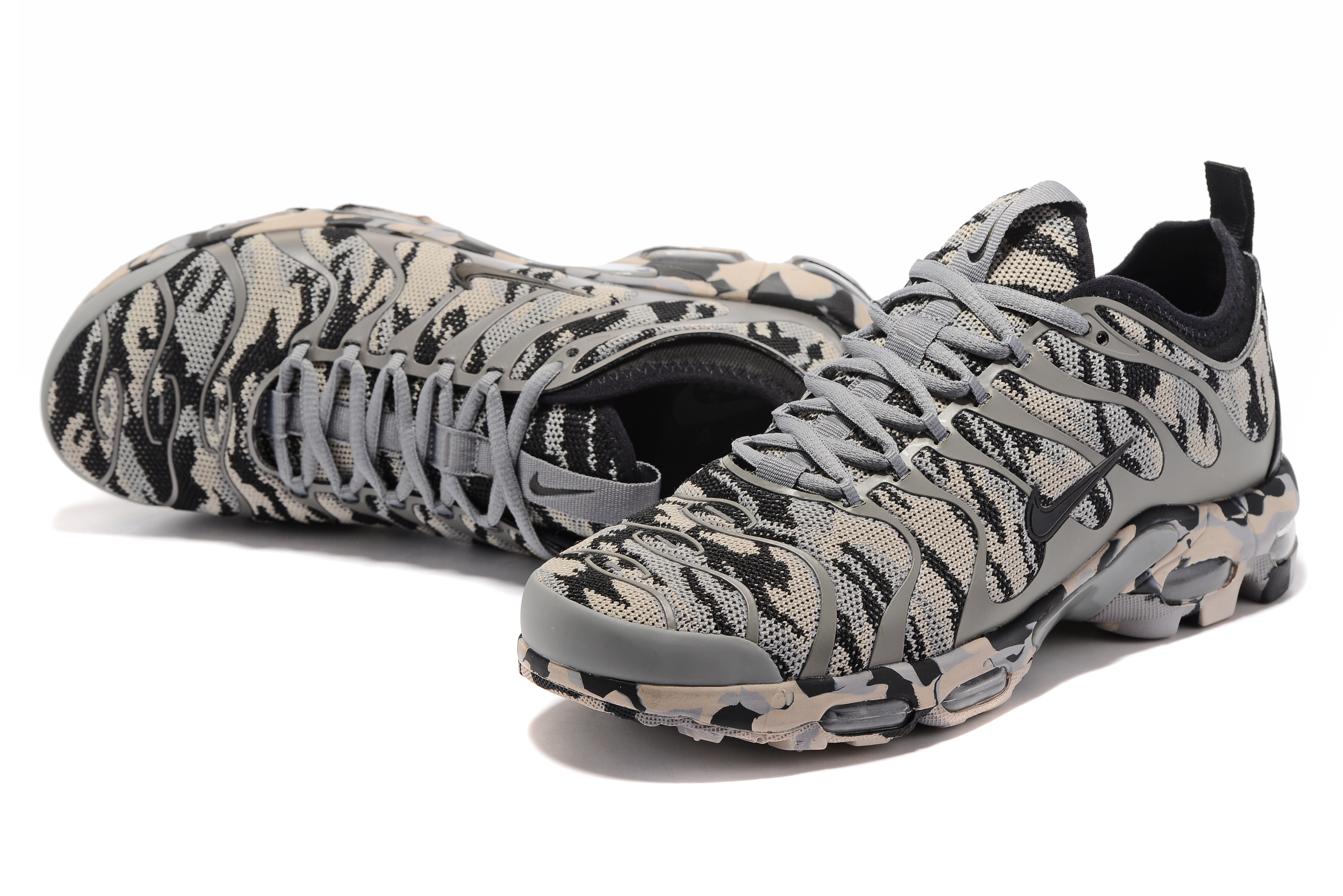 Nike Air Max Plus TN Camo Grey Shoes