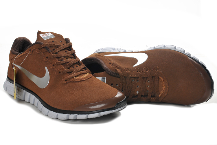 timeless design 21335 621b2 Nike Free 3.0 V2 Suede Brown Black White Running Shoes
