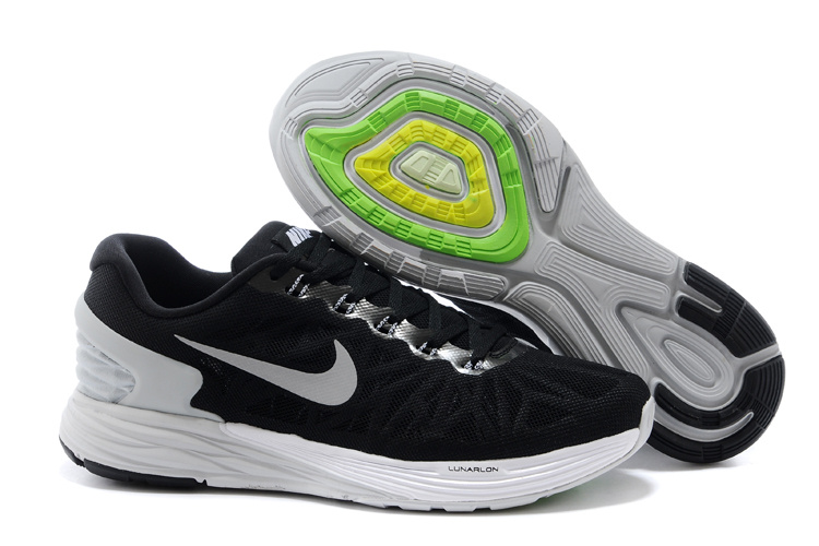 Nike Moofall 6 Black White Sport Shoes