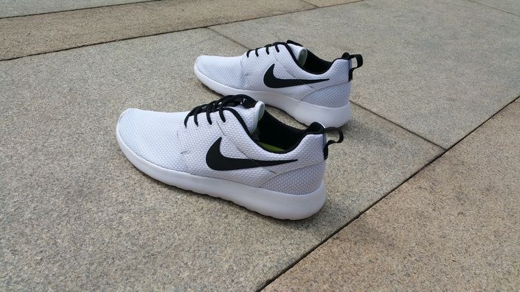 e5cc6b79f31 Nike Roshe Run Oreo All White Shoes