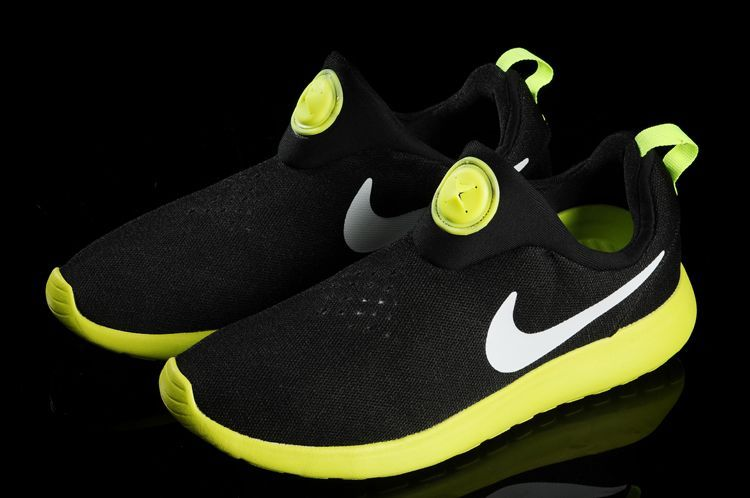 Nike Rosherun Slip On Black Yellow White Swoosh Shoes