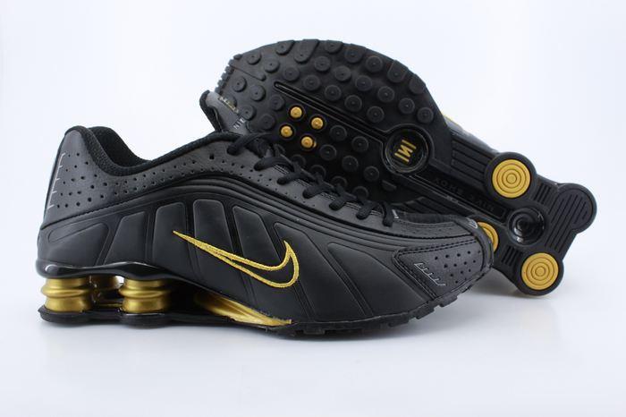 super popular 0fa30 60197 New Nike Shox R4 Shoes Black Gold Air Cushion