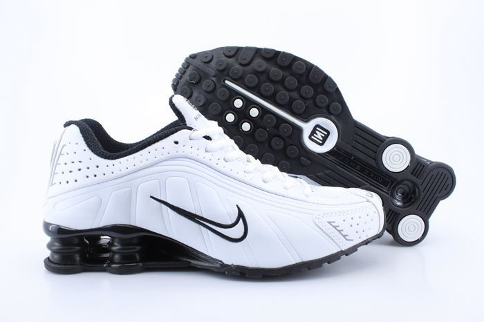 Nike Shox R4 Shoes White Black