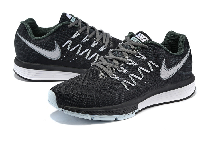 Women Nike Air Zoom Vomero 10 Black White Shoes